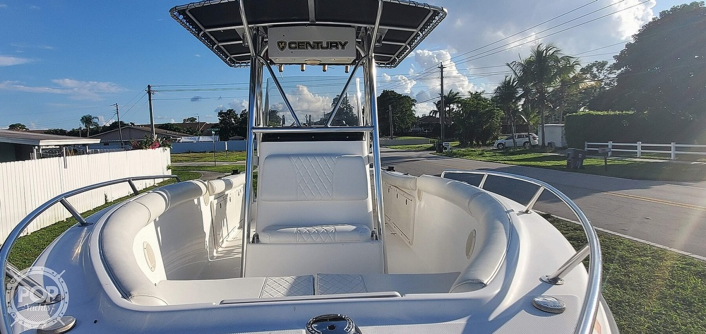 2005 Century boat for sale, model of the boat is 2600 CC & Image # 5 of 40