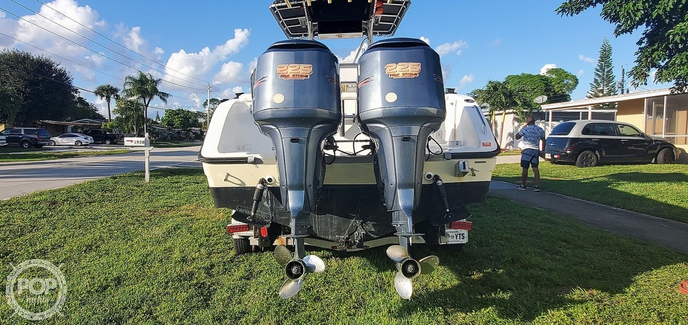 2005 Century boat for sale, model of the boat is 2600 CC & Image # 11 of 40