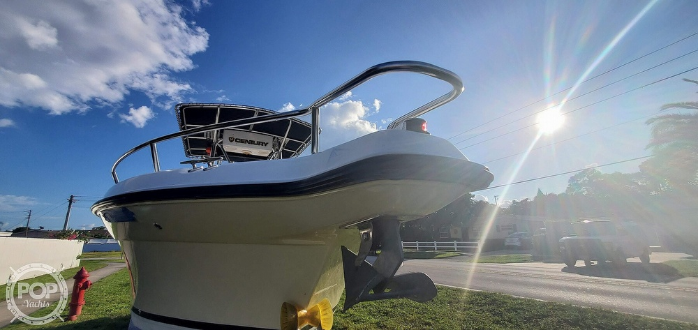 2005 Century boat for sale, model of the boat is 2600 CC & Image # 14 of 40