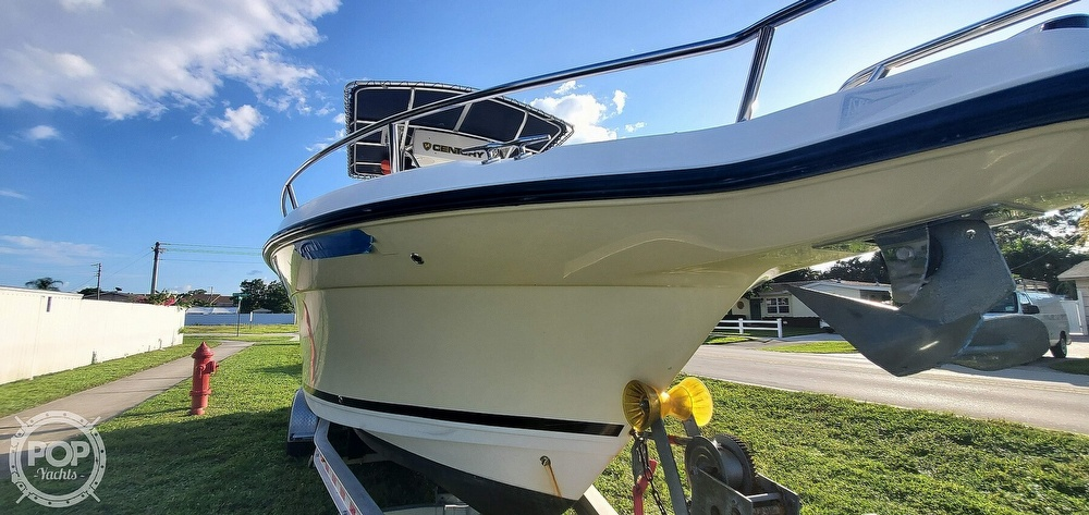 2005 Century boat for sale, model of the boat is 2600 CC & Image # 15 of 40