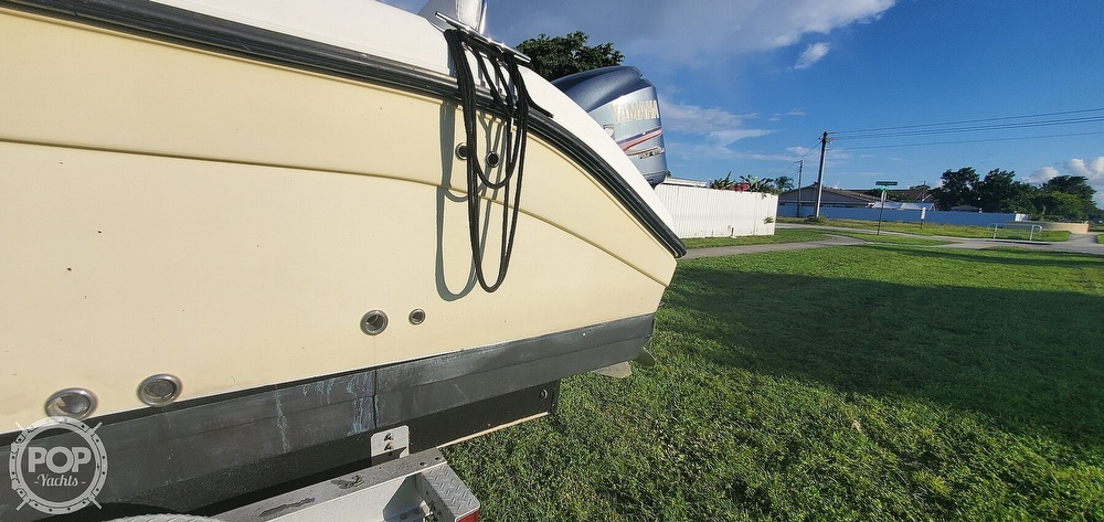 2005 Century boat for sale, model of the boat is 2600 CC & Image # 26 of 40