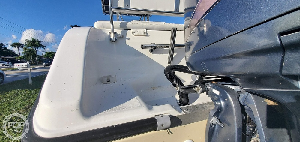 2005 Century boat for sale, model of the boat is 2600 CC & Image # 33 of 40