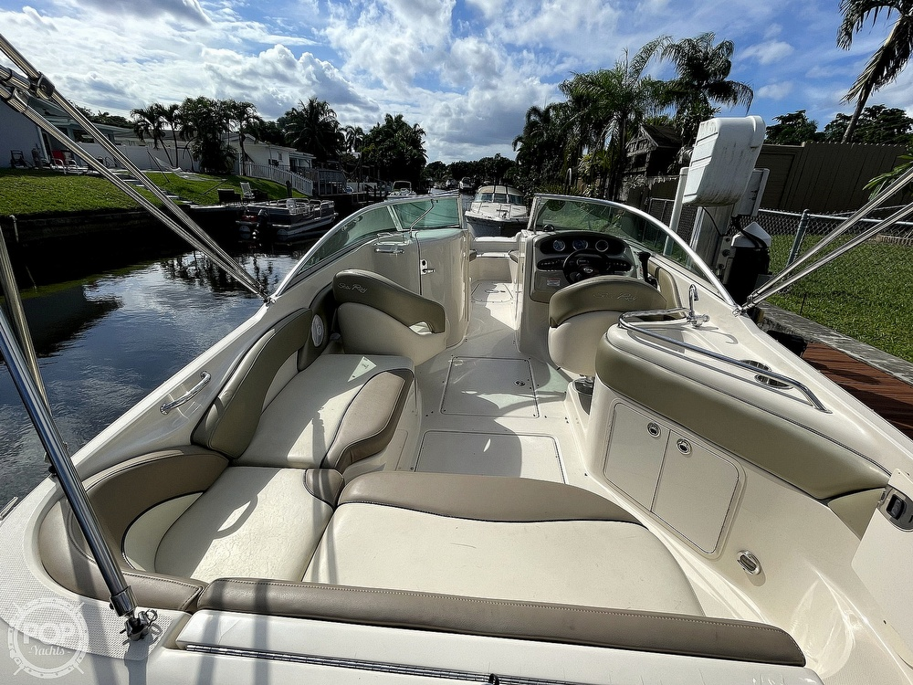 2005 Sea Ray boat for sale, model of the boat is 240 Sundeck & Image # 3 of 40