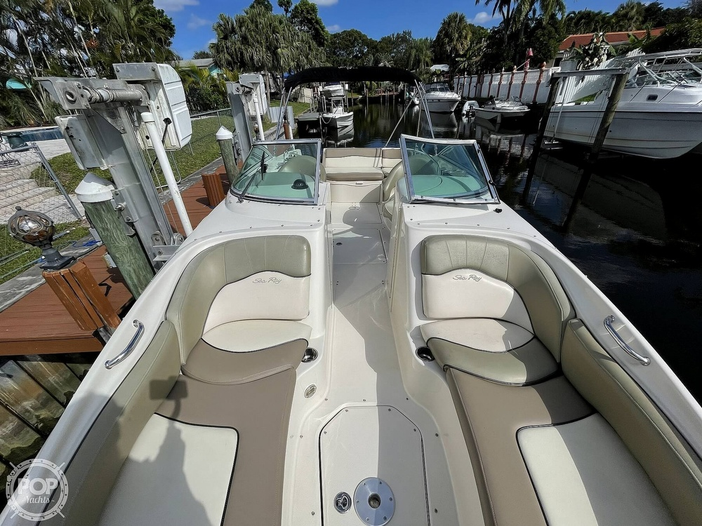 2005 Sea Ray boat for sale, model of the boat is 240 Sundeck & Image # 4 of 40