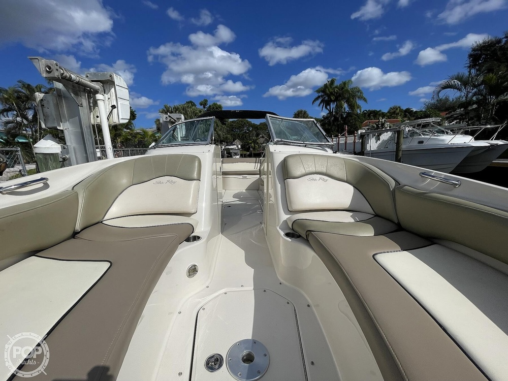 2005 Sea Ray boat for sale, model of the boat is 240 Sundeck & Image # 5 of 40