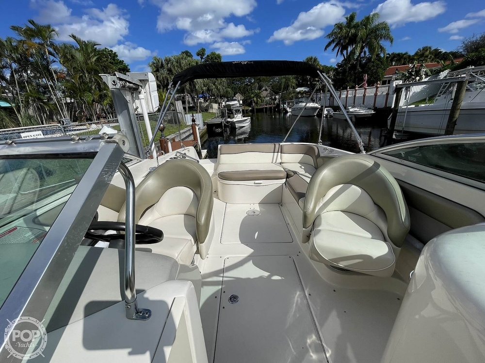 2005 Sea Ray boat for sale, model of the boat is 240 Sundeck & Image # 6 of 40