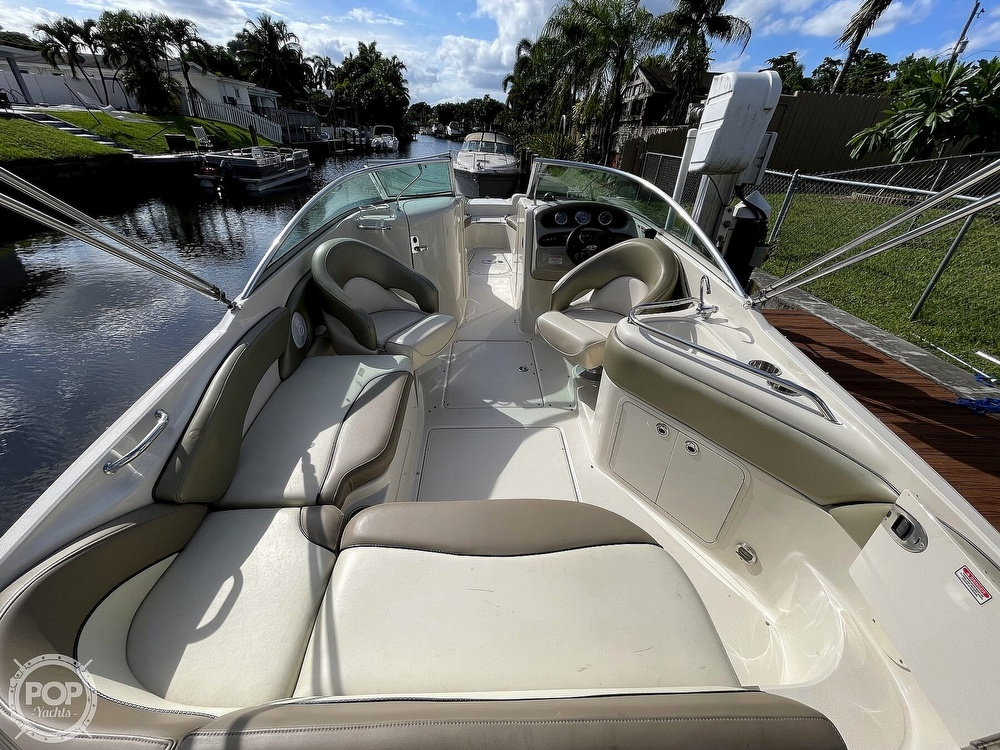 2005 Sea Ray boat for sale, model of the boat is 240 Sundeck & Image # 14 of 40