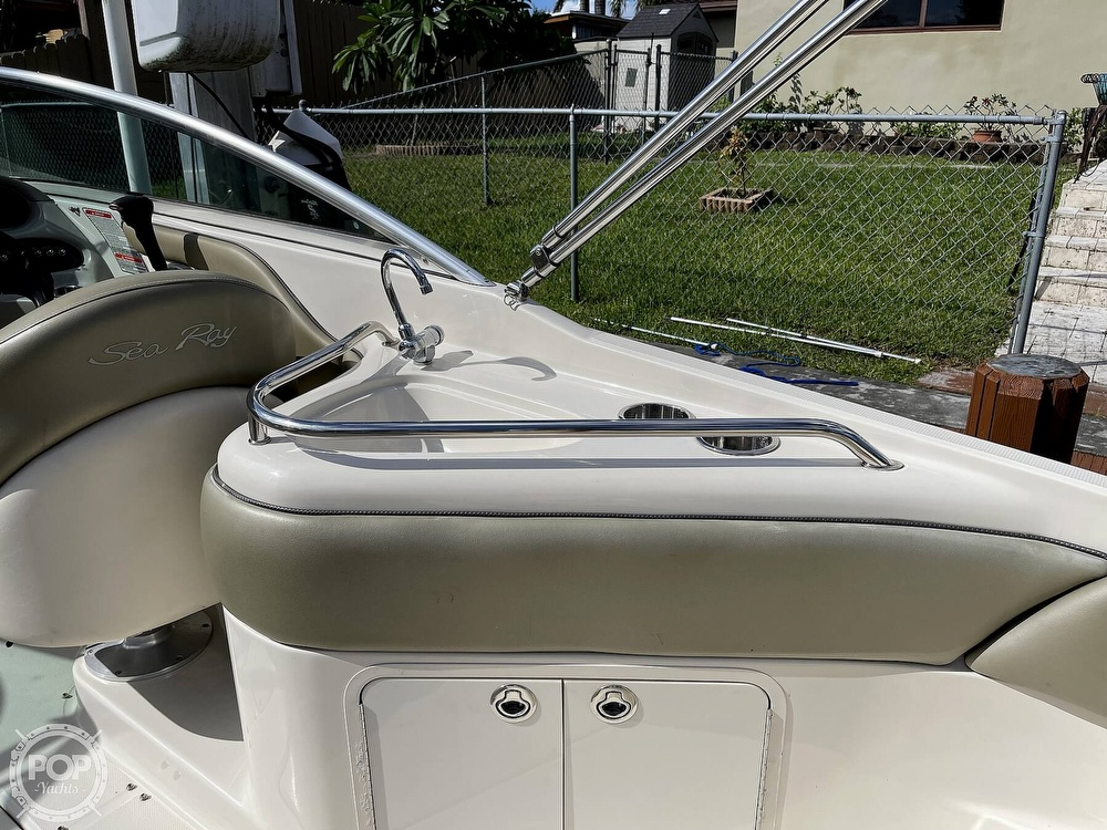2005 Sea Ray boat for sale, model of the boat is 240 Sundeck & Image # 15 of 40