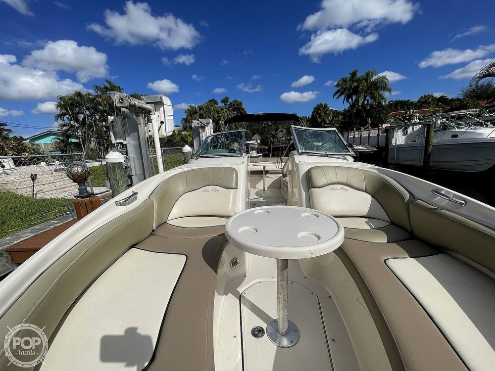 2005 Sea Ray boat for sale, model of the boat is 240 Sundeck & Image # 20 of 40