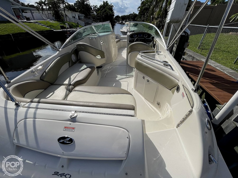 2005 Sea Ray boat for sale, model of the boat is 240 Sundeck & Image # 24 of 40