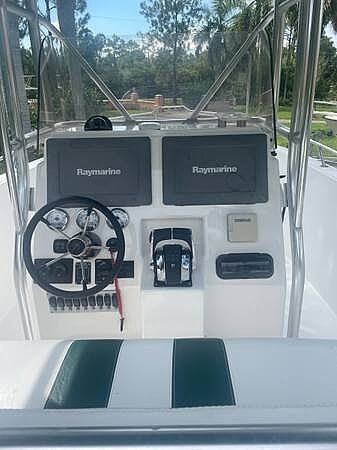 2002 Stamas boat for sale, model of the boat is Tarpon 270 & Image # 18 of 20