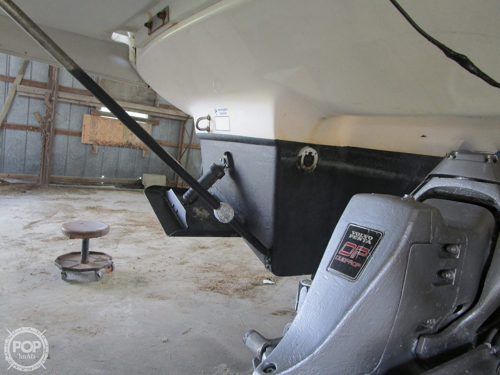2004 Regal boat for sale, model of the boat is Commodore 2665 & Image # 23 of 40