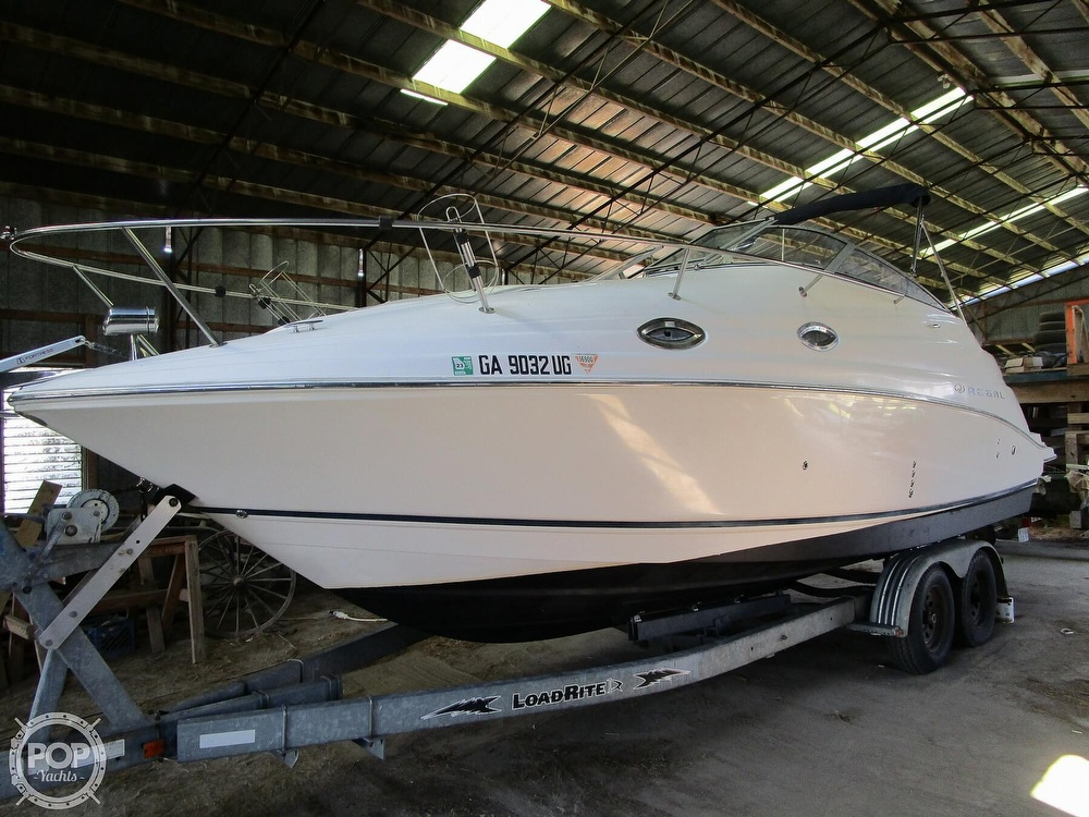 2004 Regal boat for sale, model of the boat is Commodore 2665 & Image # 24 of 40