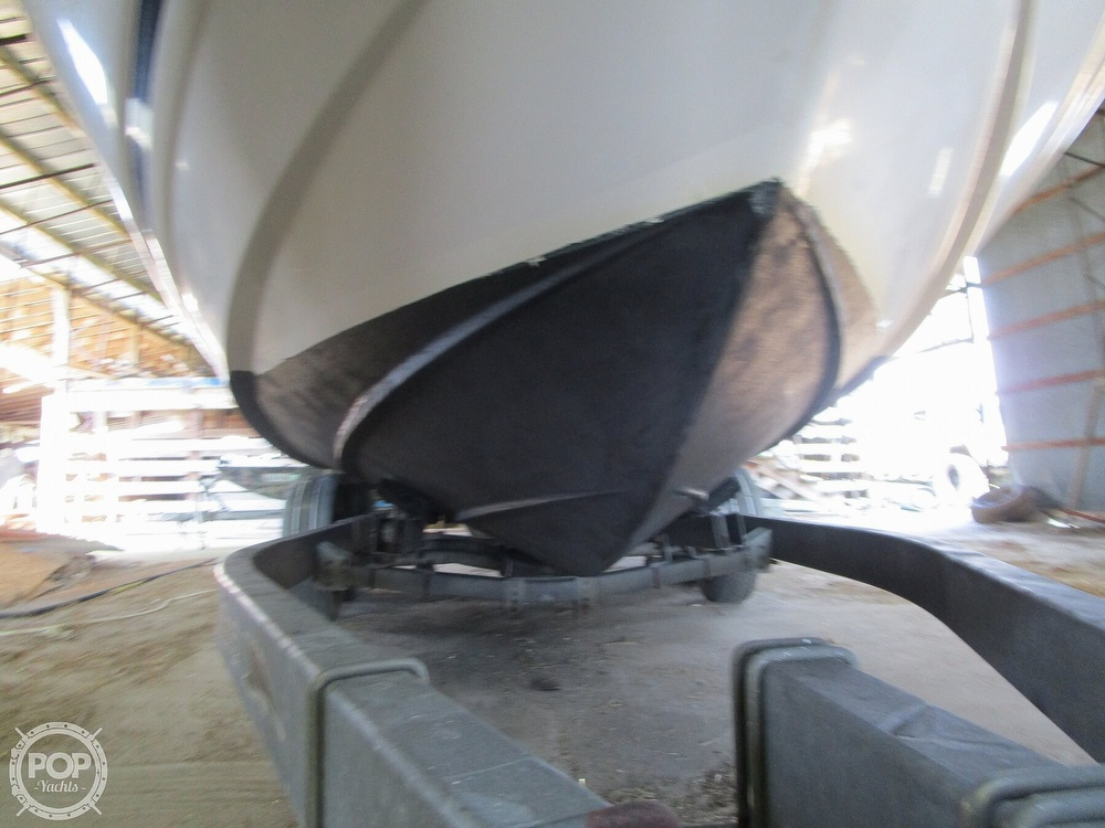 2004 Regal boat for sale, model of the boat is Commodore 2665 & Image # 29 of 40