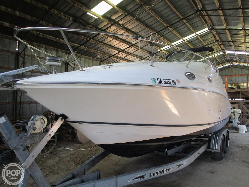 2004 Regal boat for sale, model of the boat is Commodore 2665 & Image # 30 of 40
