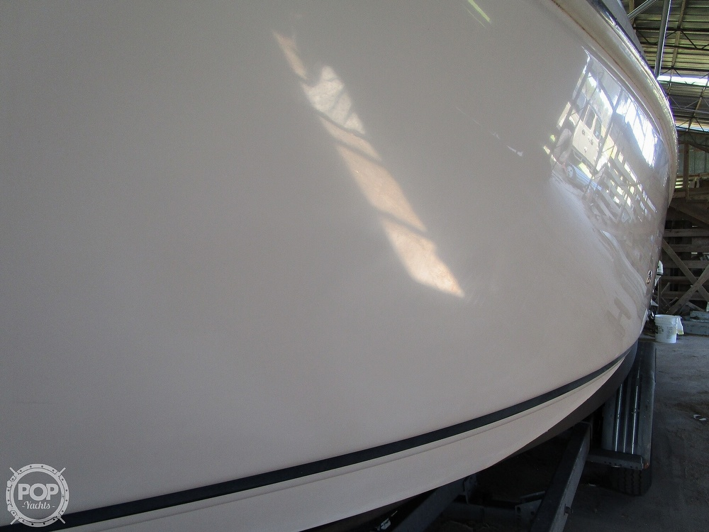 2004 Regal boat for sale, model of the boat is Commodore 2665 & Image # 34 of 40
