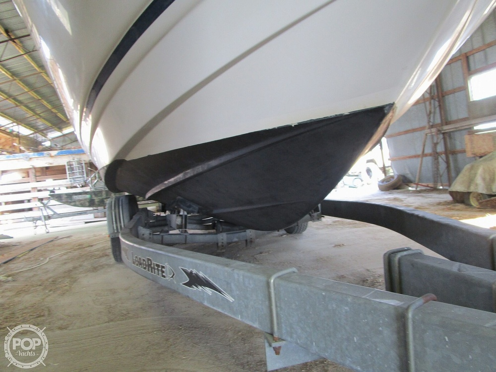 2004 Regal boat for sale, model of the boat is Commodore 2665 & Image # 38 of 40
