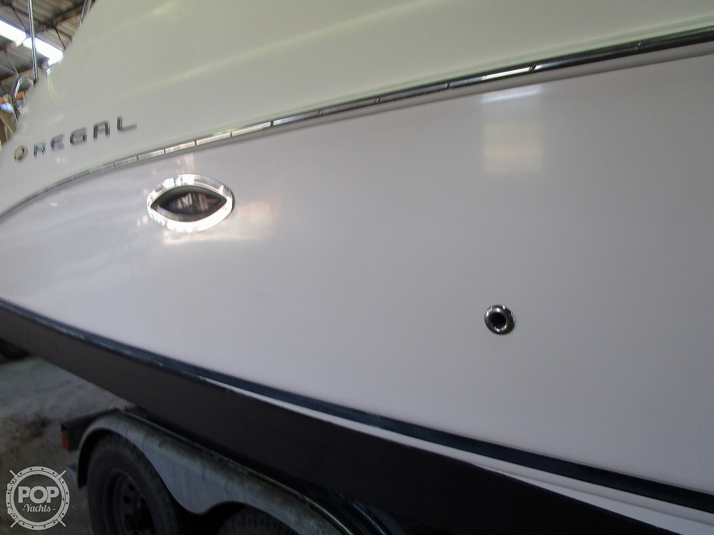 2004 Regal boat for sale, model of the boat is Commodore 2665 & Image # 39 of 40