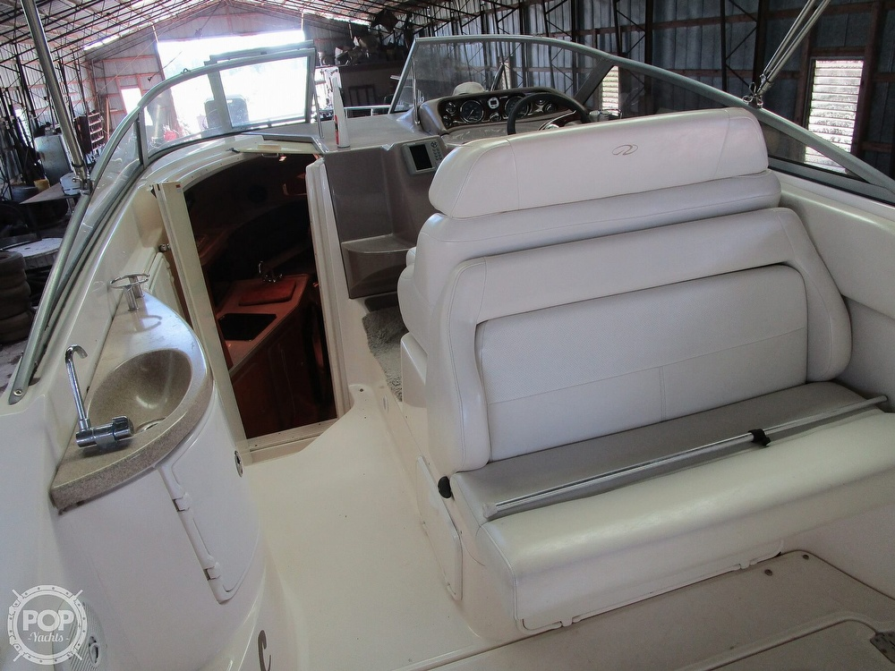 2004 Regal boat for sale, model of the boat is Commodore 2665 & Image # 2 of 40