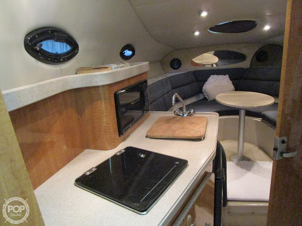 2004 Regal boat for sale, model of the boat is Commodore 2665 & Image # 13 of 40