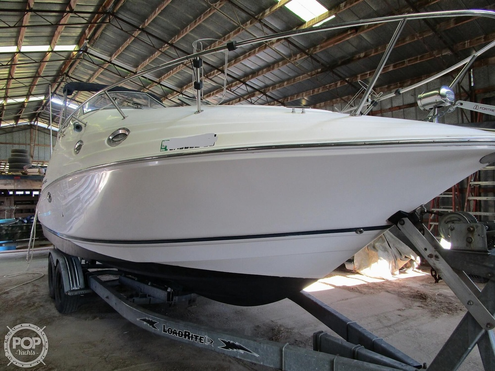 2004 Regal boat for sale, model of the boat is Commodore 2665 & Image # 3 of 40