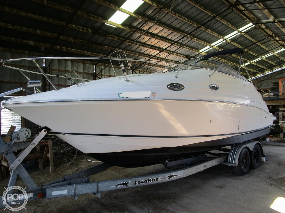 2004 Regal boat for sale, model of the boat is Commodore 2665 & Image # 5 of 40
