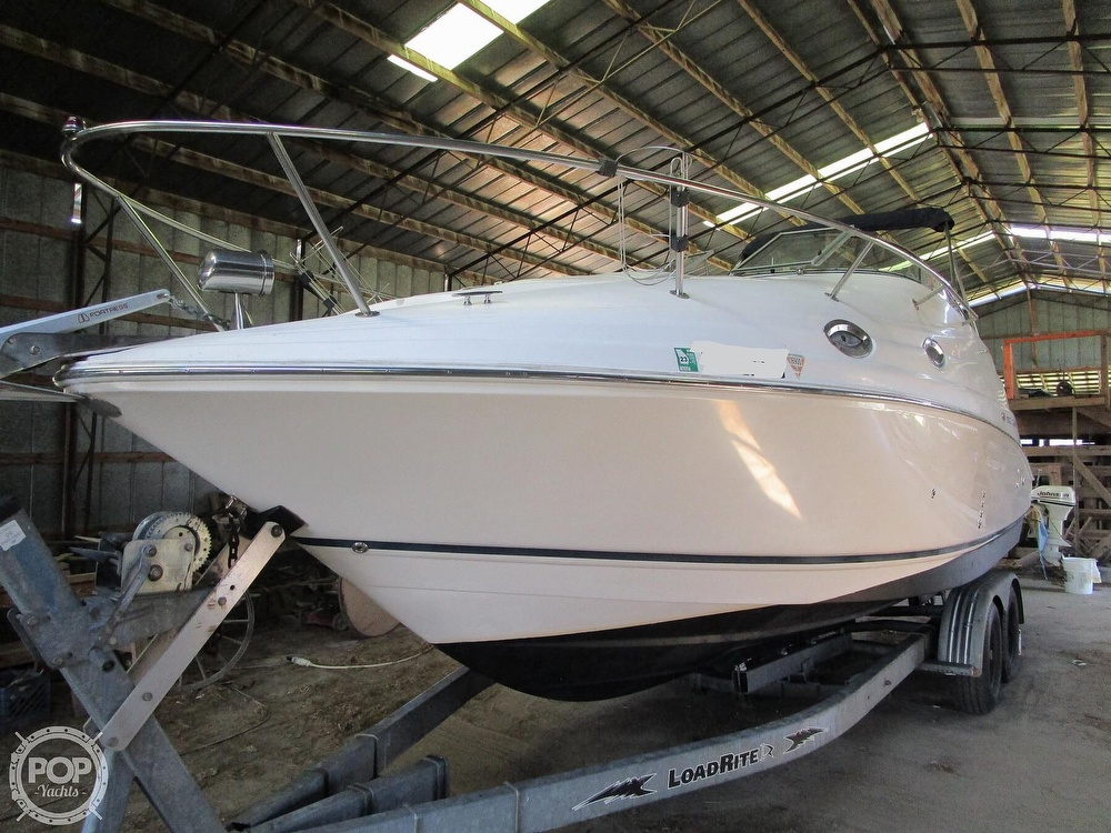 2004 Regal boat for sale, model of the boat is Commodore 2665 & Image # 6 of 40