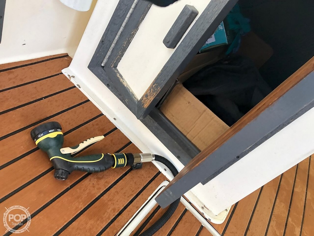 1991 Baha Cruisers boat for sale, model of the boat is 260 Weekender & Image # 30 of 40
