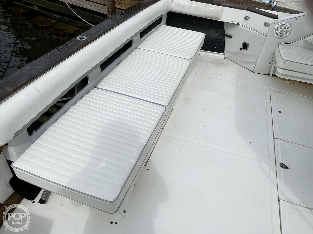 1989 Sea Ray boat for sale, model of the boat is 390 Express & Image # 26 of 27