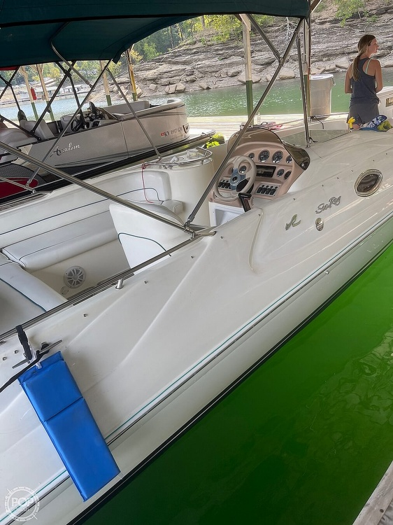1998 Sea Ray boat for sale, model of the boat is 240 Sundeck & Image # 4 of 40