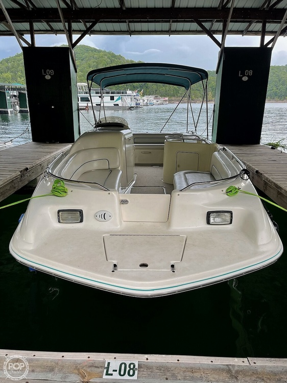 1998 Sea Ray boat for sale, model of the boat is 240 Sundeck & Image # 8 of 40