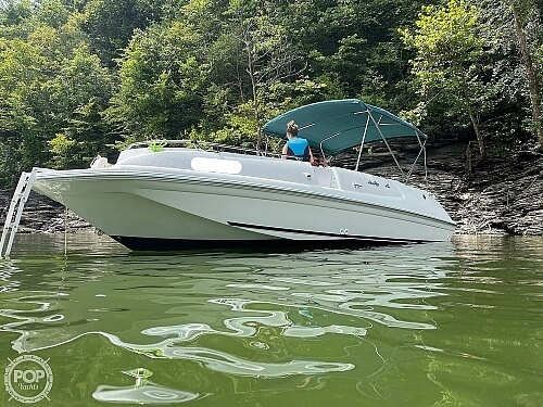 1998 Sea Ray boat for sale, model of the boat is 240 Sundeck & Image # 3 of 40