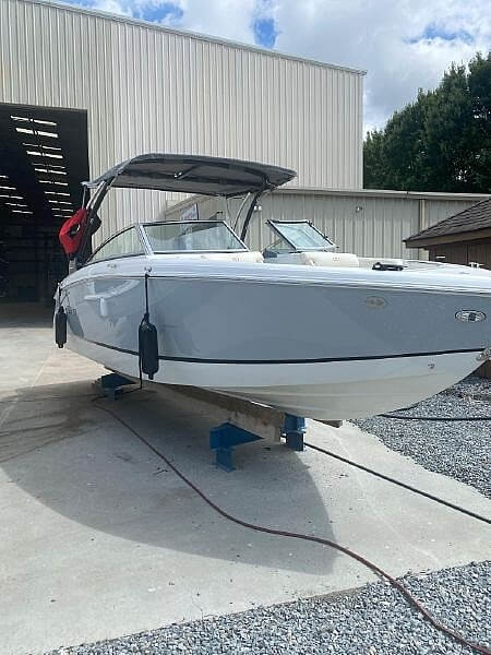 2020 Cobalt boat for sale, model of the boat is R5 & Image # 5 of 7