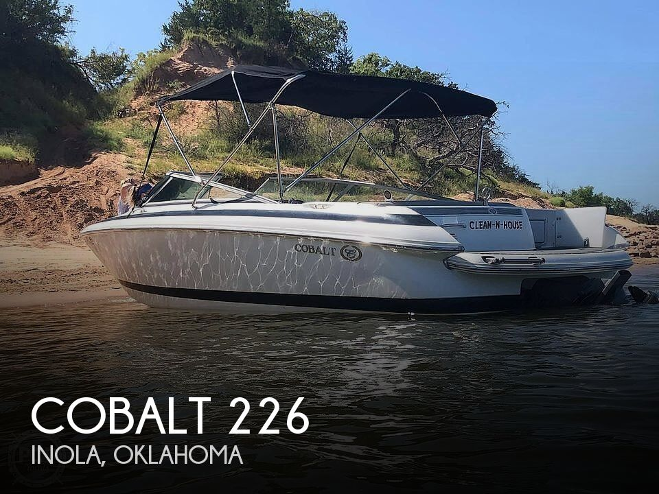 2002 Cobalt boat for sale, model of the boat is 226 & Image # 1 of 40