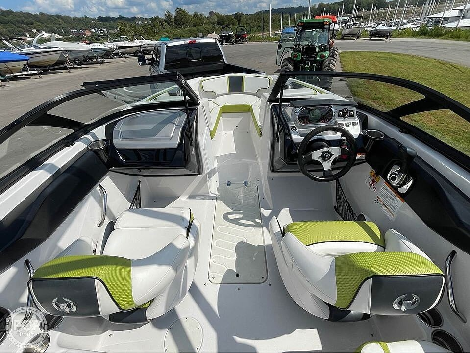 2014 Scarab boat for sale, model of the boat is 195 Ho Impulse & Image # 7 of 20