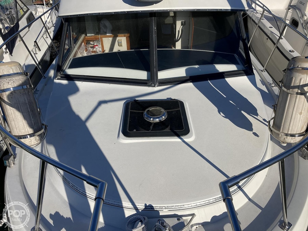 1988 Carver boat for sale, model of the boat is 2827 Mariner & Image # 14 of 40