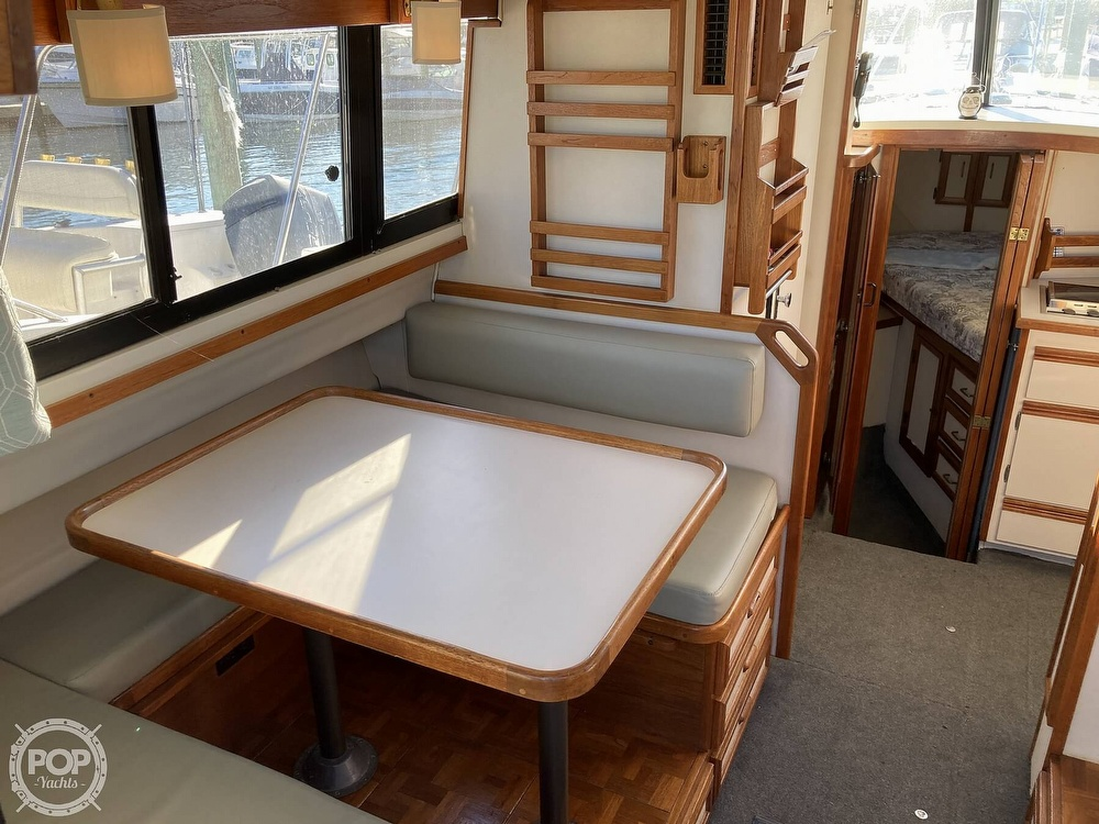1988 Carver boat for sale, model of the boat is 2827 Mariner & Image # 15 of 40