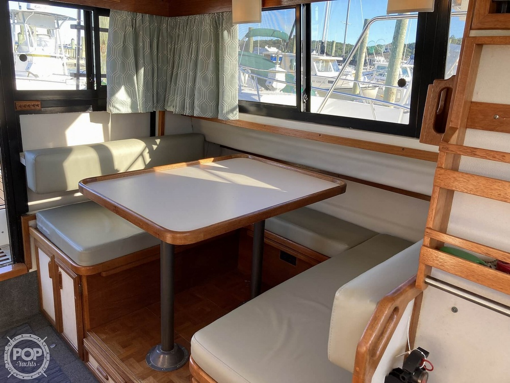 1988 Carver boat for sale, model of the boat is 2827 Mariner & Image # 16 of 40