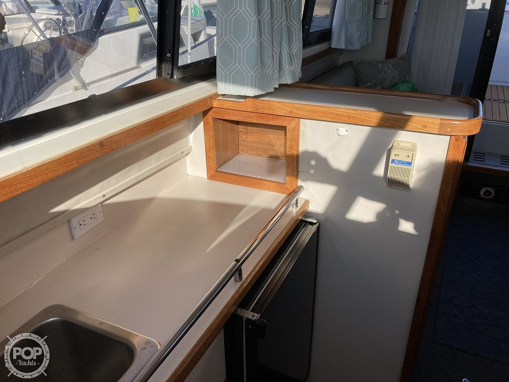 1988 Carver boat for sale, model of the boat is 2827 Mariner & Image # 19 of 40