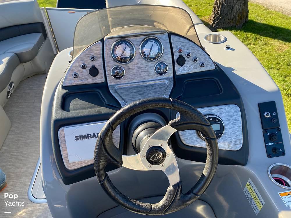 2018 Veranda boat for sale, model of the boat is VR22RCB & Image # 6 of 40