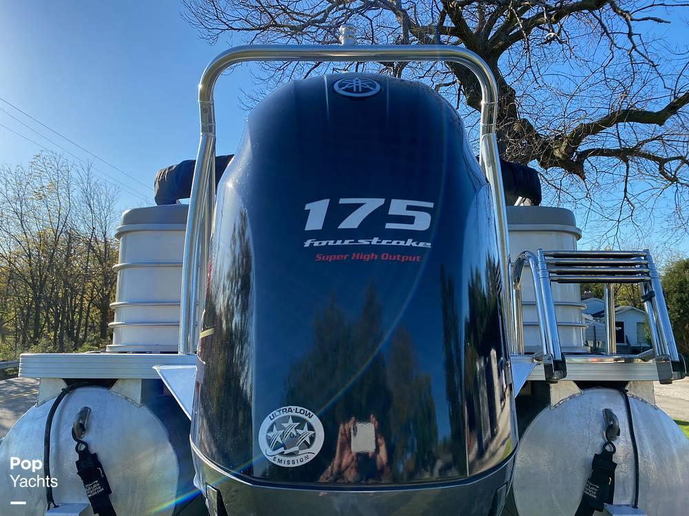 2018 Veranda boat for sale, model of the boat is VR22RCB & Image # 25 of 40