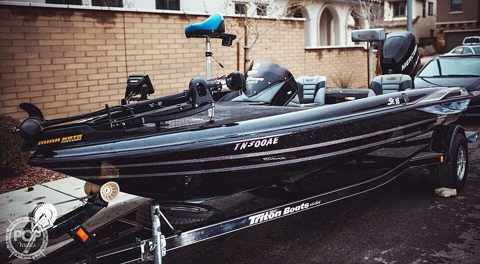 2013 Triton boat for sale, model of the boat is 18SE & Image # 2 of 17