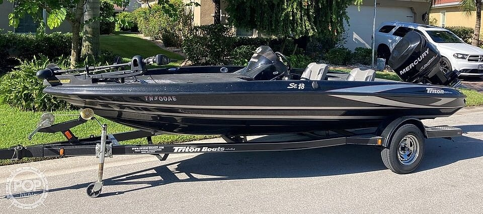 2013 Triton boat for sale, model of the boat is 18SE & Image # 4 of 17