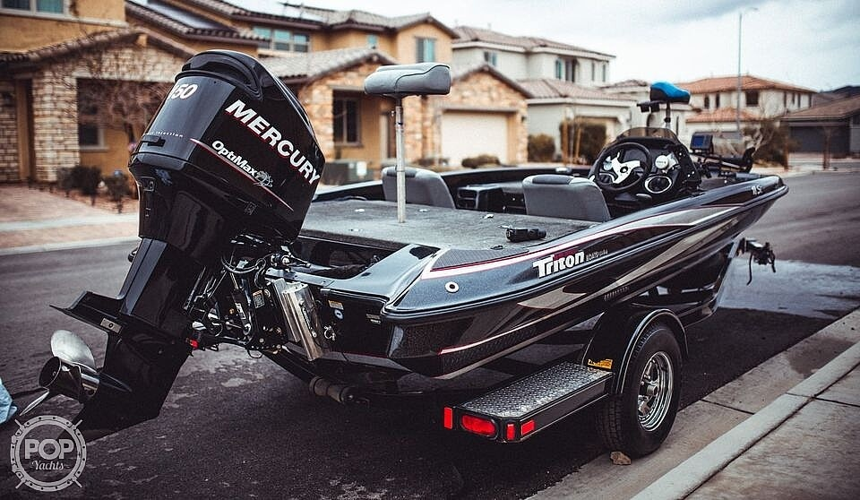 2013 Triton boat for sale, model of the boat is 18SE & Image # 5 of 17