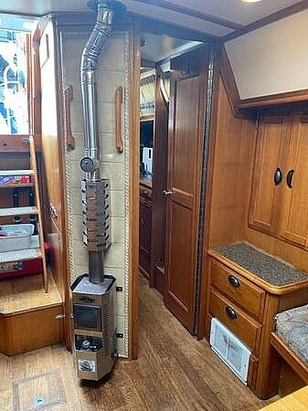 1976 Ericson Yachts boat for sale, model of the boat is 39B & Image # 15 of 40