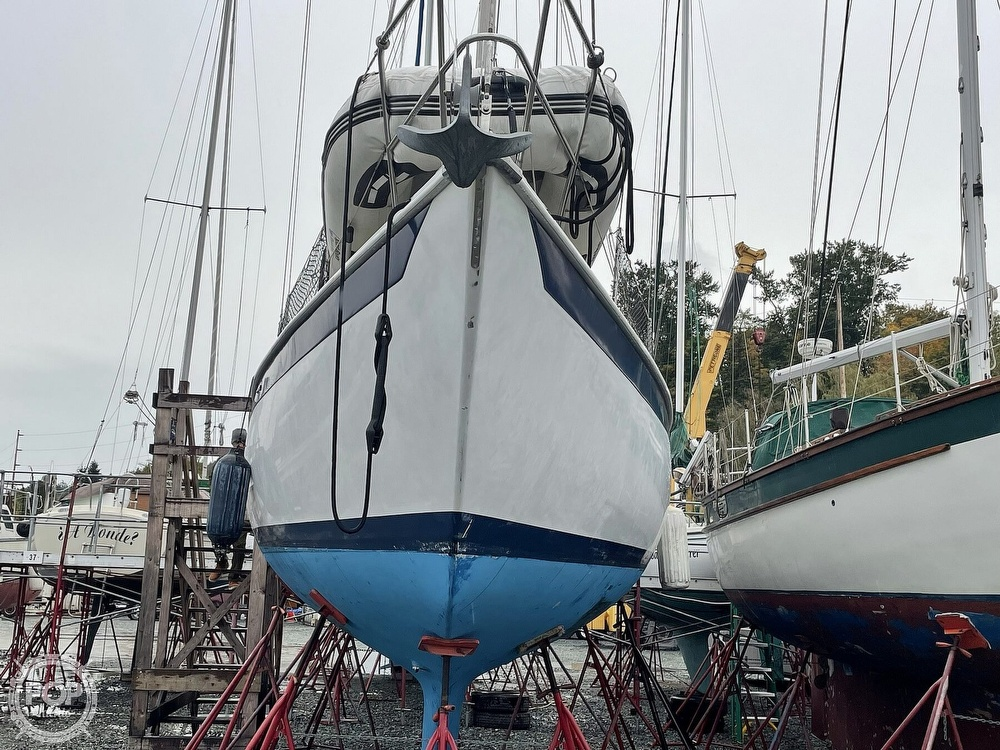 1976 Ericson Yachts boat for sale, model of the boat is 39B & Image # 17 of 40