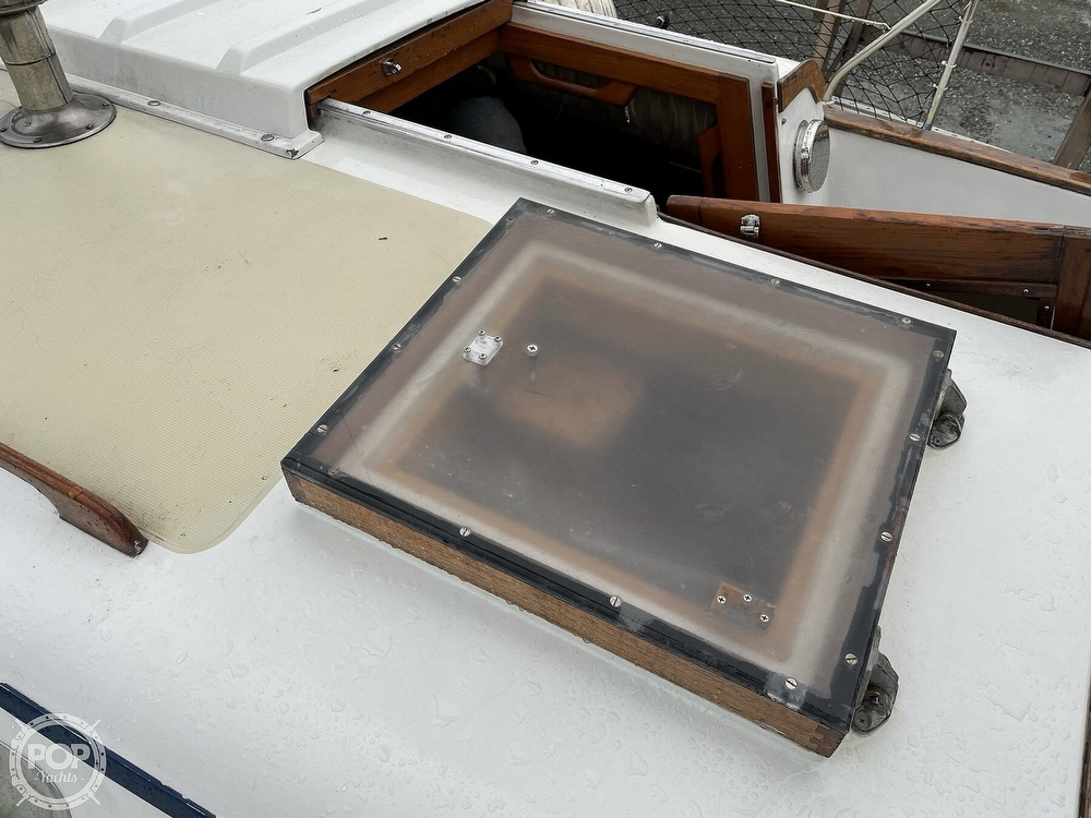 1976 Ericson Yachts boat for sale, model of the boat is 39B & Image # 21 of 40