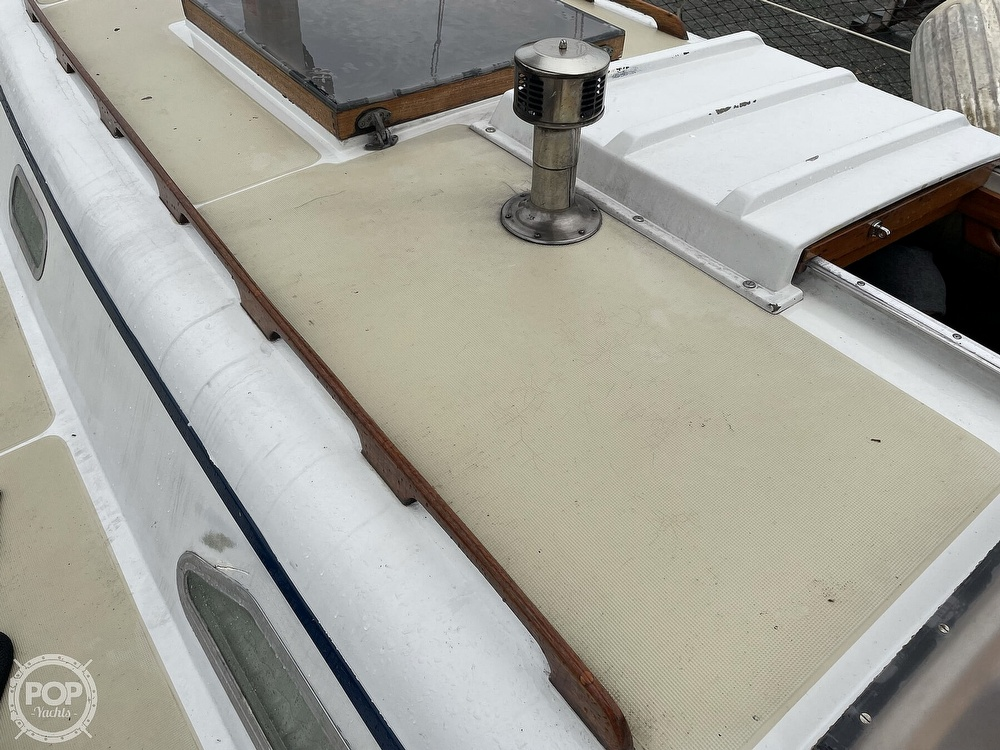 1976 Ericson Yachts boat for sale, model of the boat is 39B & Image # 22 of 40