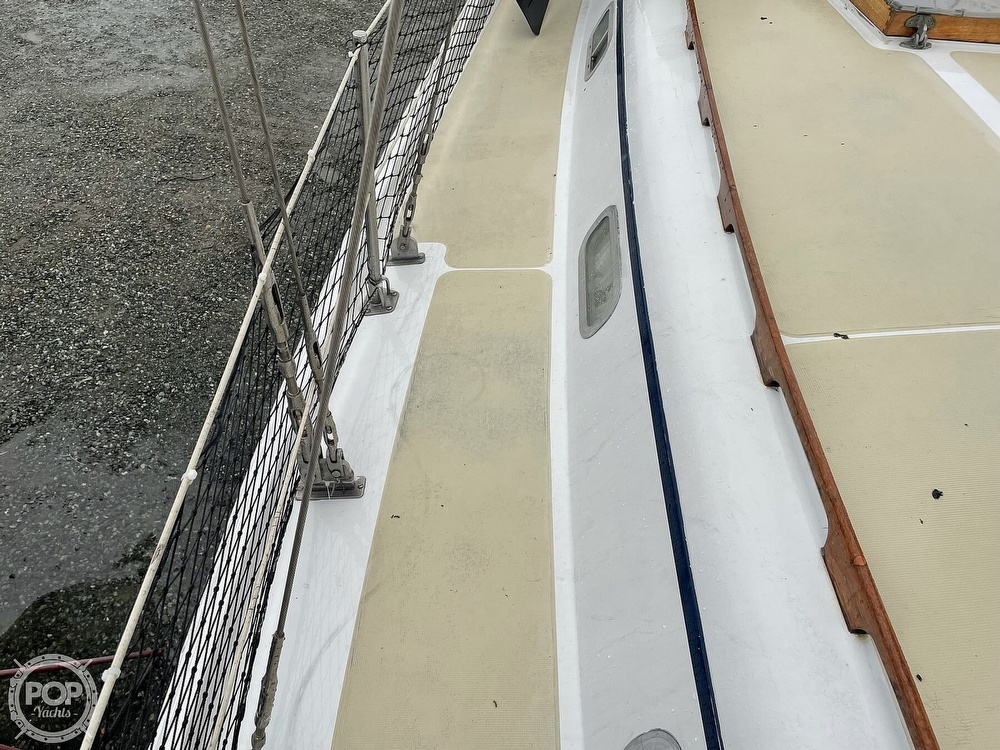 1976 Ericson Yachts boat for sale, model of the boat is 39B & Image # 27 of 40