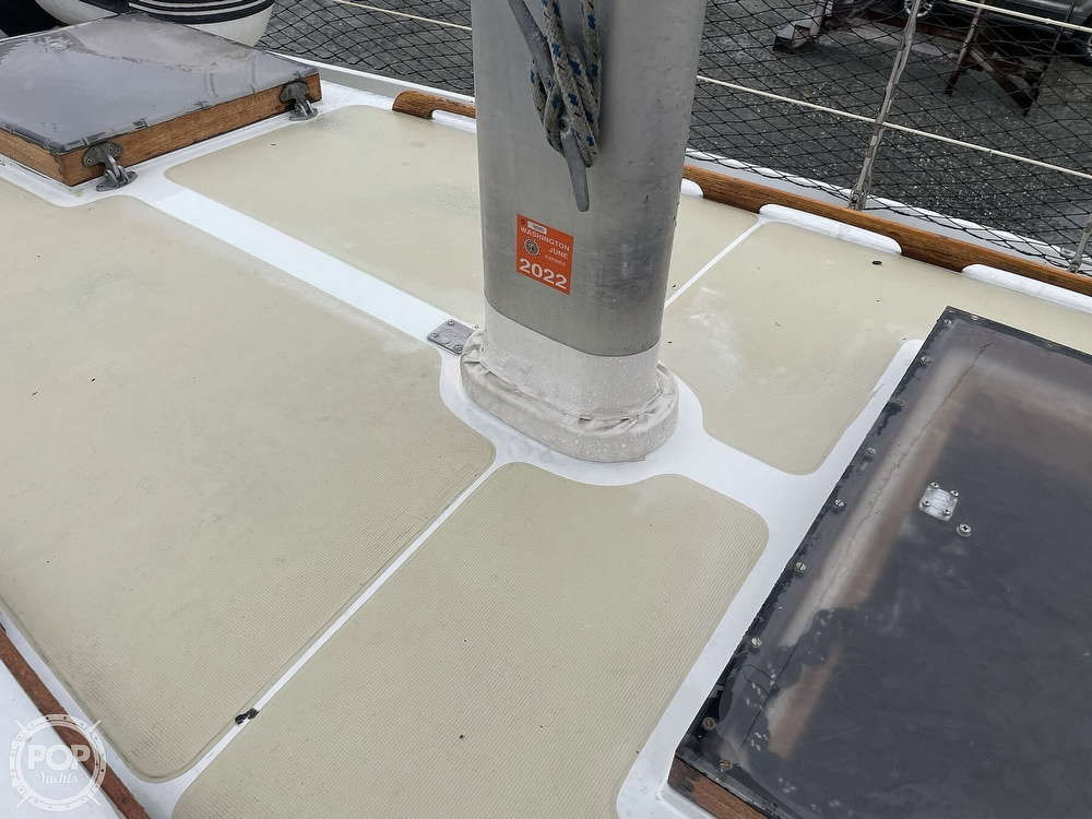 1976 Ericson Yachts boat for sale, model of the boat is 39B & Image # 28 of 40